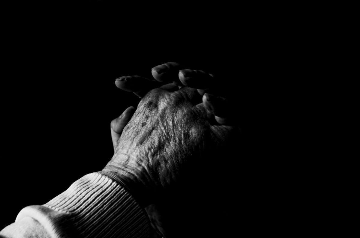 Praying Hands Blackwhite